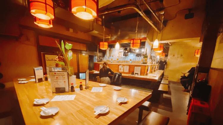吉崎食堂大テーブル
